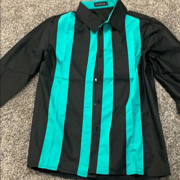 Other - Nice Black & Greenish Striped Button Up
